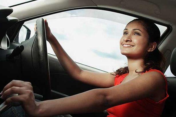 woman-driver-508885535
